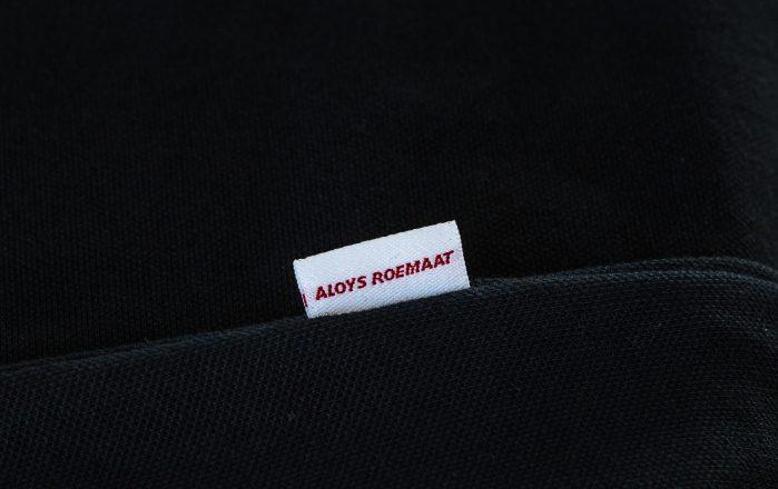 Label in de kraag